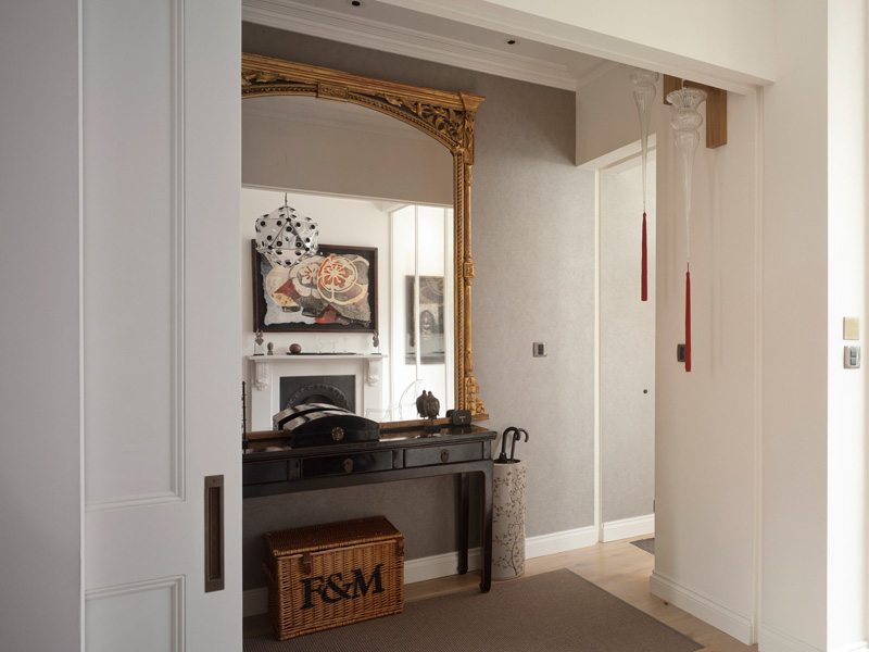 Ladbroke Road, Entrance hallway with gold leaf mirror