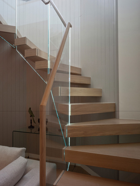 Ladbroke Road, timber and glass stair detail